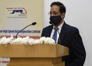 Shri Rajendra Prasad (Director Project, NHSRCL) speaking at the C-4 contract agreement signing ceremony on 26 Nov 2020